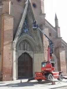 Davide_Manolino_e_Michelangelo_Varetto_al_lavoro_sulla_ghimberga_del_Duomo_di_Chieri_3